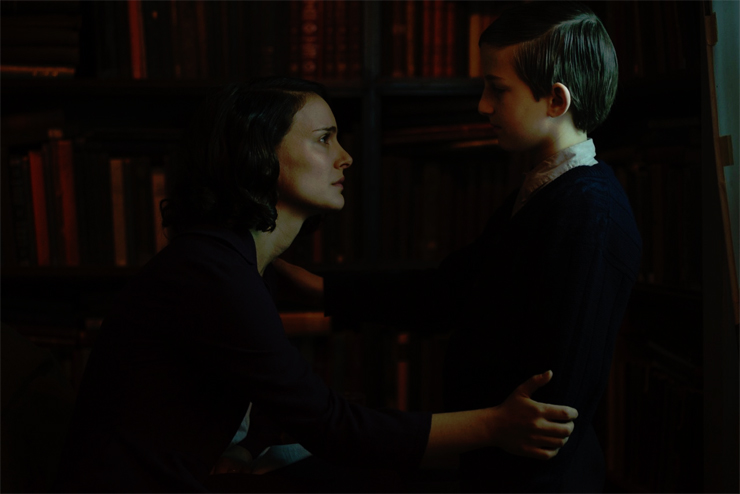 A Tale of Love and Darkness: (from Left): Natalie Portman, Ian Gavan.