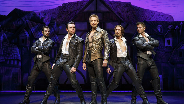 Adam Pascal as Shakespeare in
