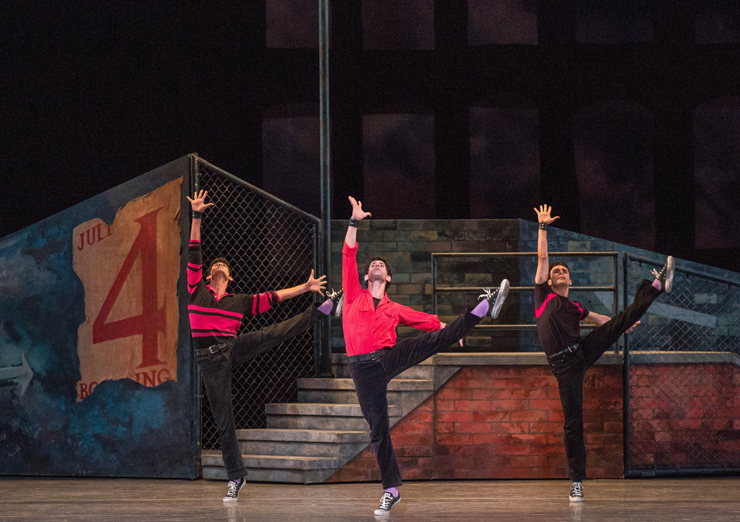 West Side Story Suite<br/>Renan Cerdeiro, Reyneris Reyes and Renato Penteado, Choreography by Jerome Robbins, Photo by Daniel Azoulay.