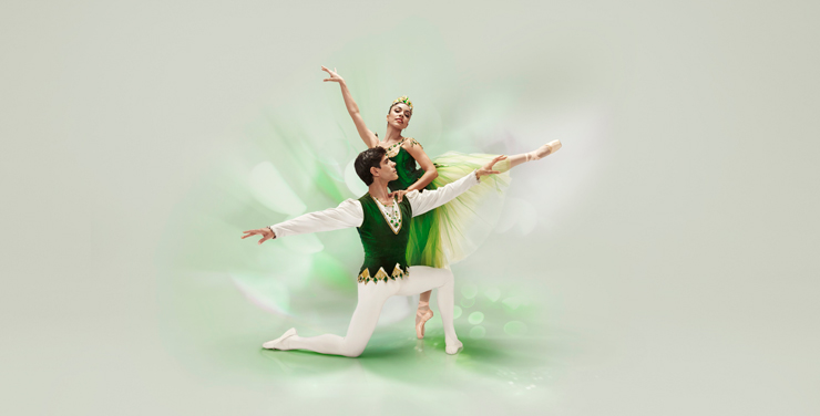 Jewels Emeralds<br/> Jeanette Delgado and Reyneris Reyes, Choreography by George Balanchin, Photo by Alberto Oviedo.