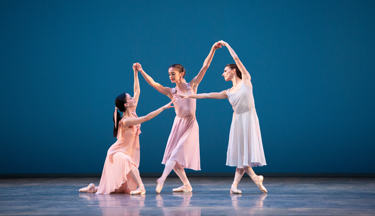 Katia Carranza, Emily Bromberg and Ashley Knox in Dances at a Gathering. Choreography by Jerome Robbins, The Jerome Robbins Rights Trust. Photo: Alexander Iziliaev.