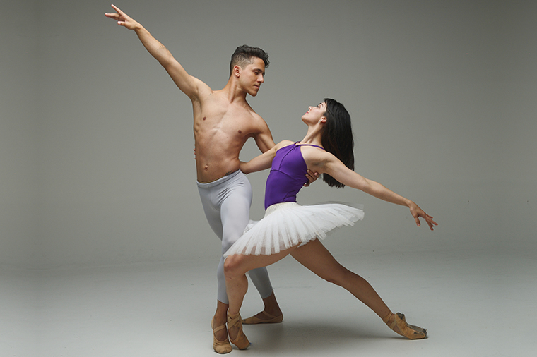 Dancers Claudia Lezcano and Kevin Hernandez, Photo (c) Simon Soong, courtesy of Dimensions Dance Theatre of Miami