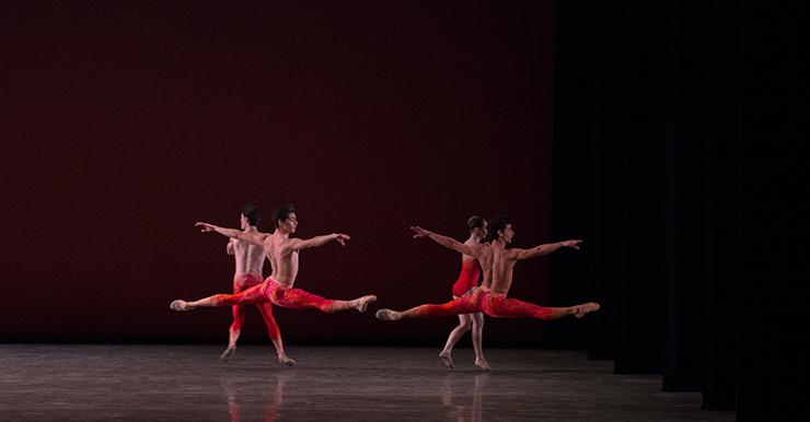 Jovani Furlan and Kleber Rebello in Mercuric Tidings. Choreography by Paul Taylor. Photo © Daniel Azoulay.