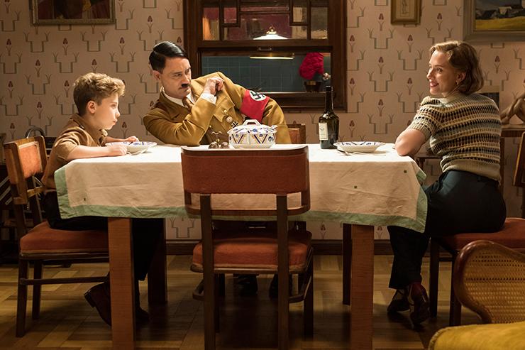 Roman Griffin Davis, Taika Waititi, Scarlett Johansson in