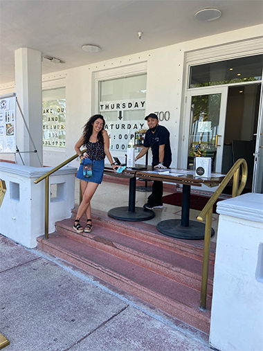 A Fish Called Avalon on Ocean Drive has its order and take out service pleasantly set up on the Avalon's hotel porch at Ocean Drive. (photo by Harv)