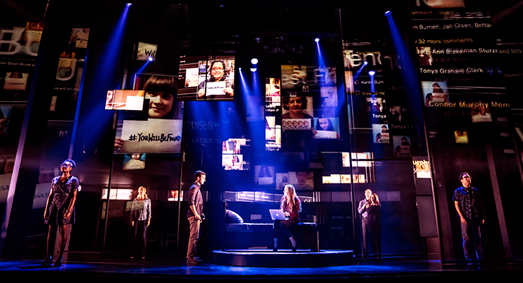 Stephen Christopher Anthony as Evan Hansen and the North American touring company of