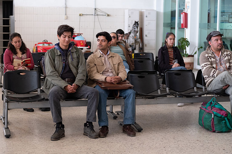 Armando Espitia as Iván and Christian Vázquez as Gerardo in a scene from